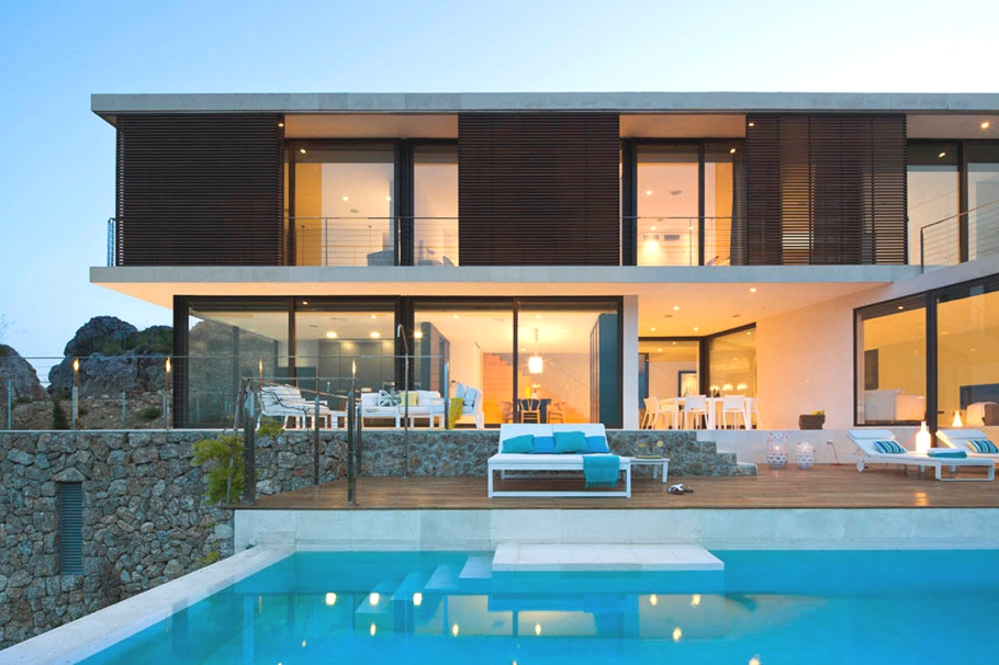 Luxury-Home-Spain-Adelto-12