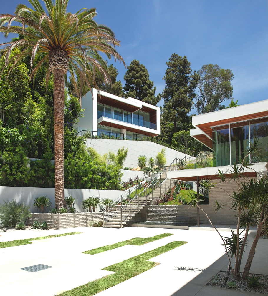 Luxury-Homes-Hollywood-Adelto-02