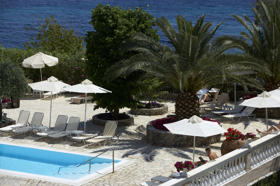 Luxury-Marbella-Beach-Hotel-Corfu-01