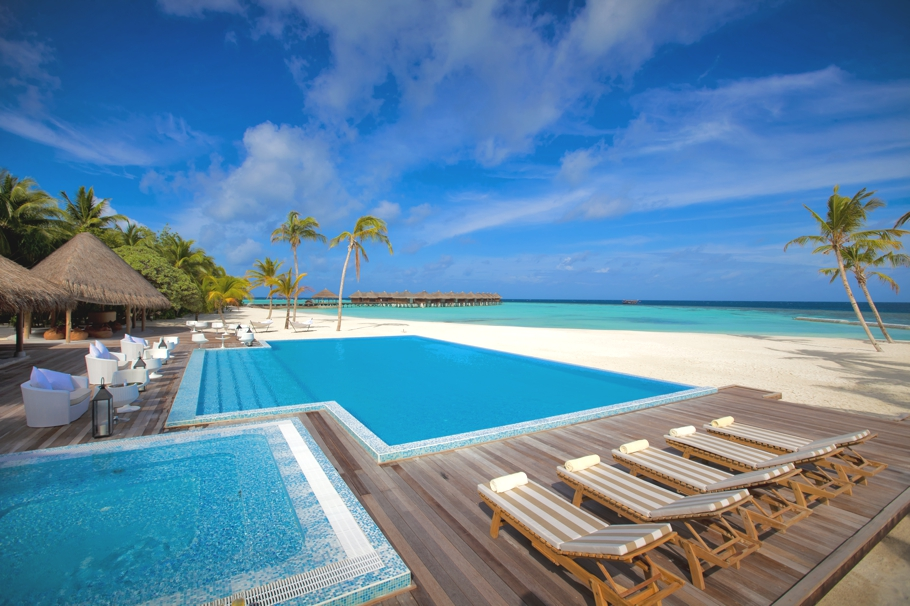 Luxury-Resort-Maldives-Maafushivaru-Adelto-00