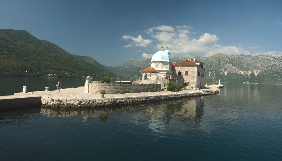 Montenegro-holidays-Lustica-Bay-Adelto-01