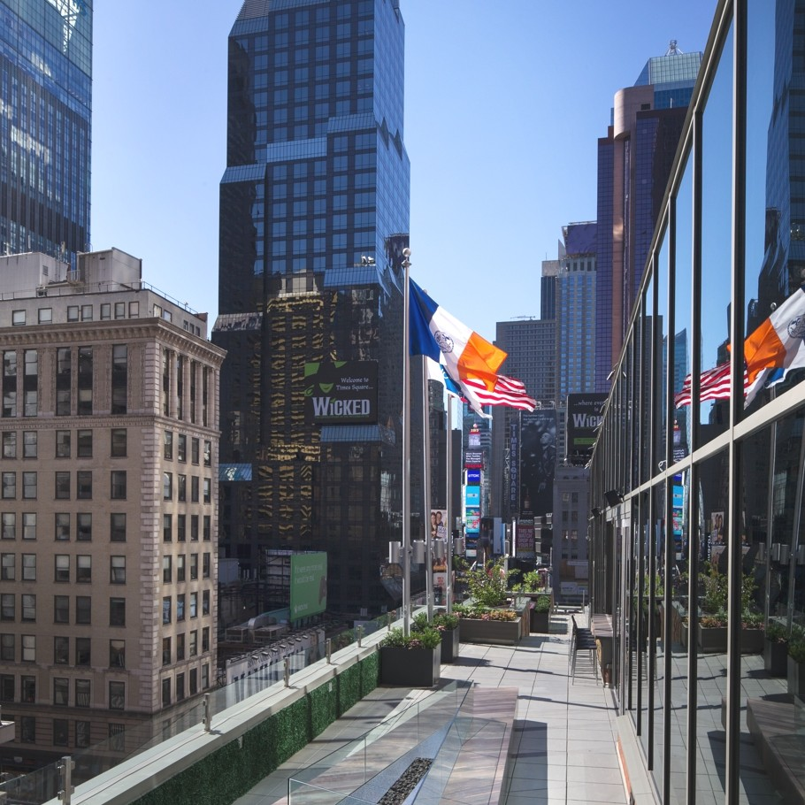 Novotel-New-York-Time-Square-Hotel-09