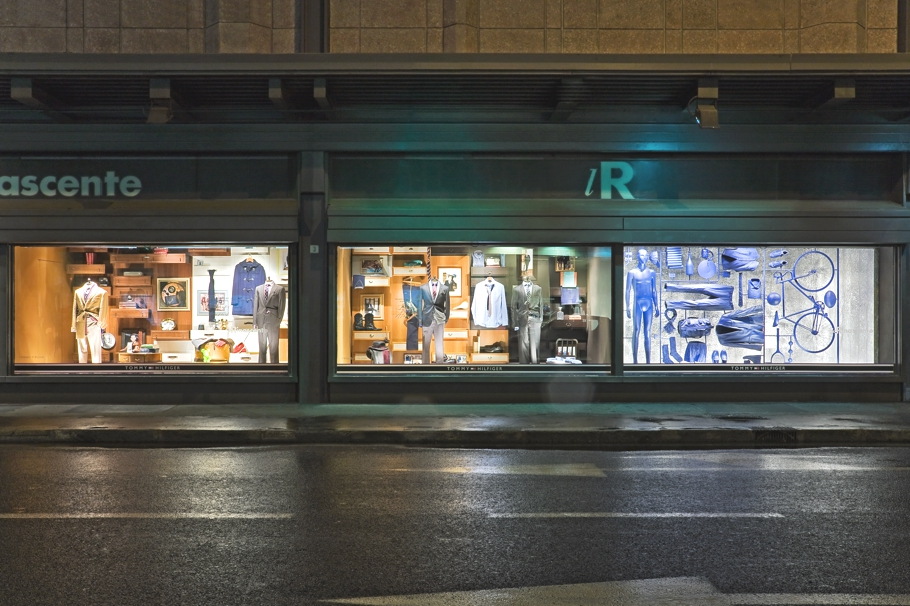 08eed639937bc9 La Rinascente window display for Tommy Hilfiger « Adelto Adelto