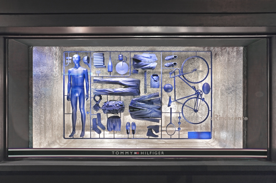 Window-display-design-italy-01