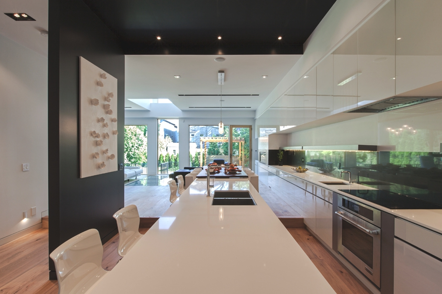 Contemporary-Home-Design-Toronto-Adelto-01