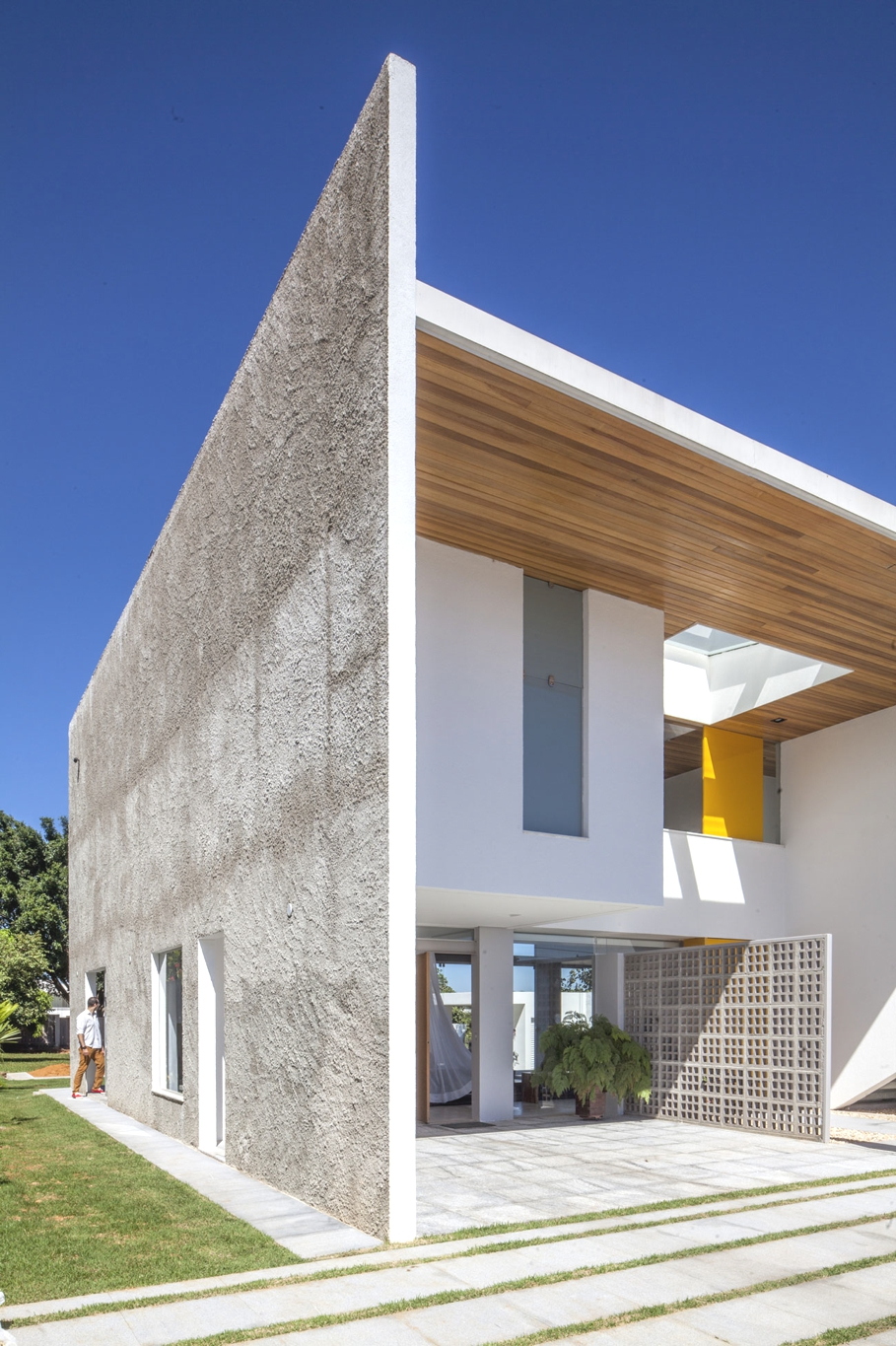 Contemporary-Modern-Homes-Brazil-Adelto-02