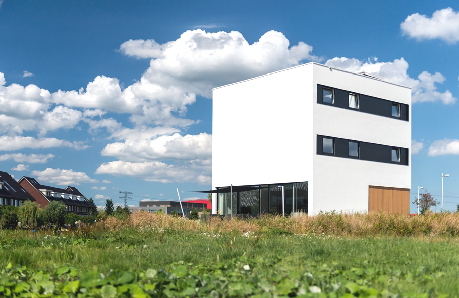 Contemporary-home-Netherlands-Adelto-00