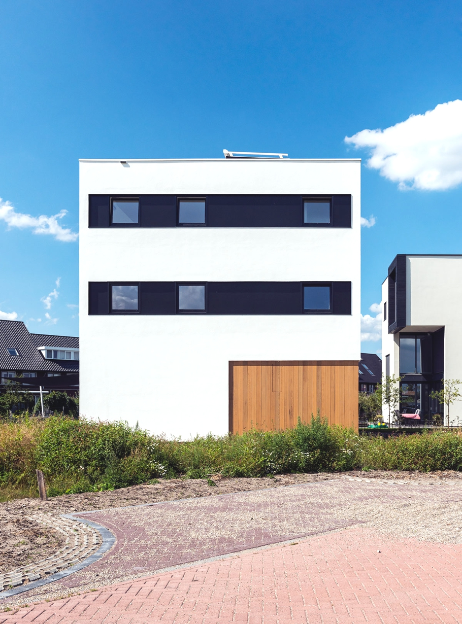 Contemporary-home-Netherlands-Adelto-01