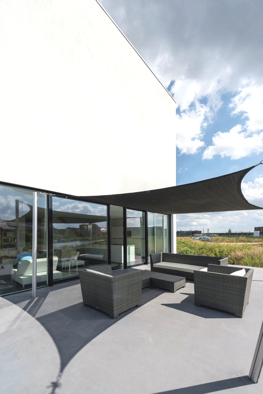 Contemporary-home-Netherlands-Adelto-02