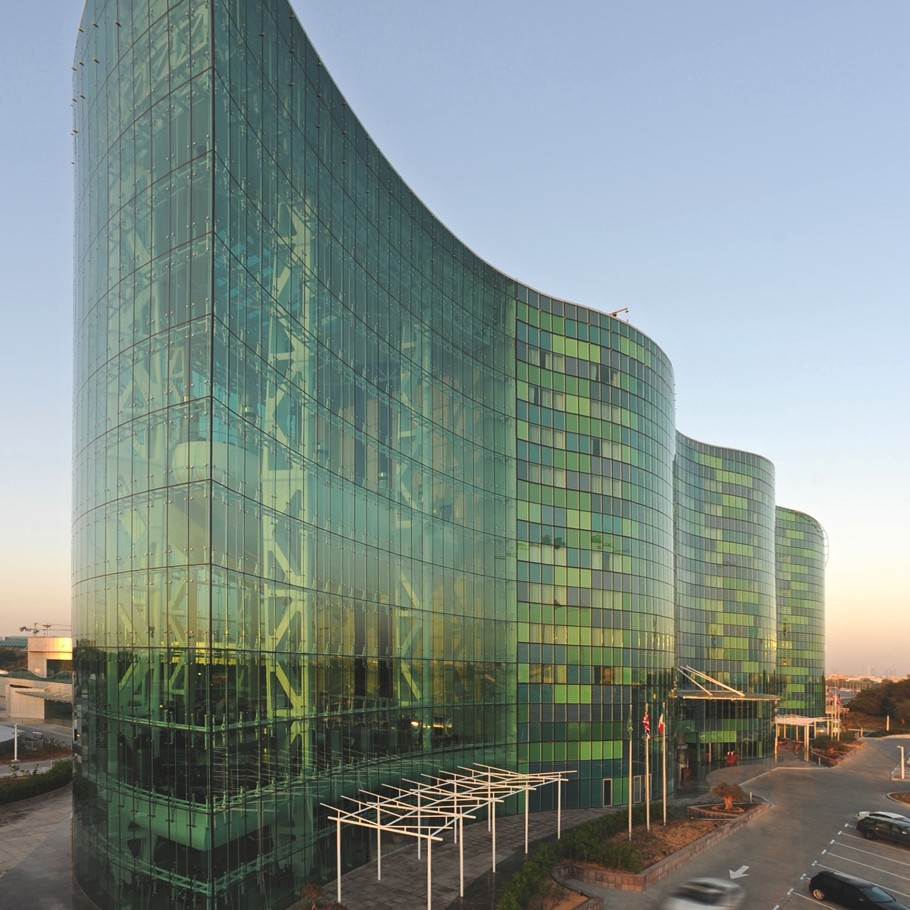Hilton-Capital-Grand-Abu-Dhabi-Hotel-Adelto-02