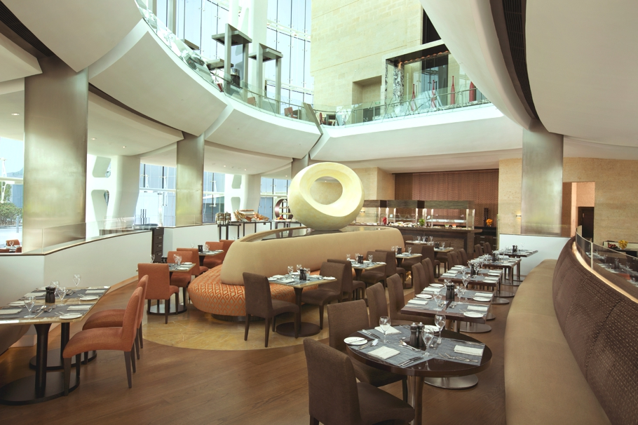 Hilton-Capital-Grand-Abu-Dhabi-Hotel-Adelto-06