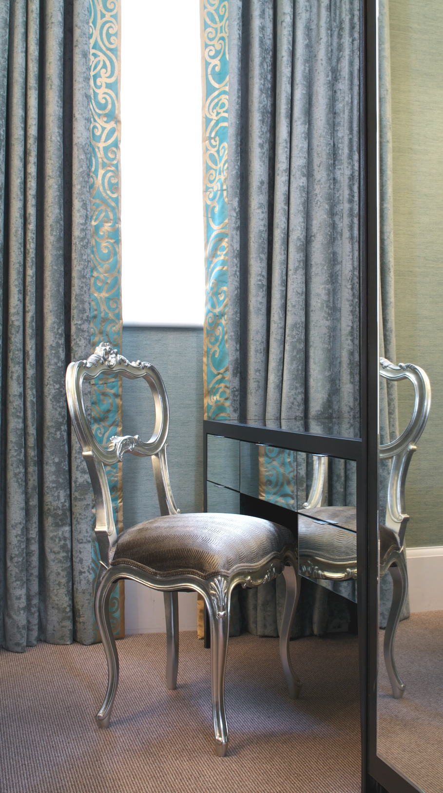 Luxury-Apartment-Flemings-Mayfair-London-Adelto-02