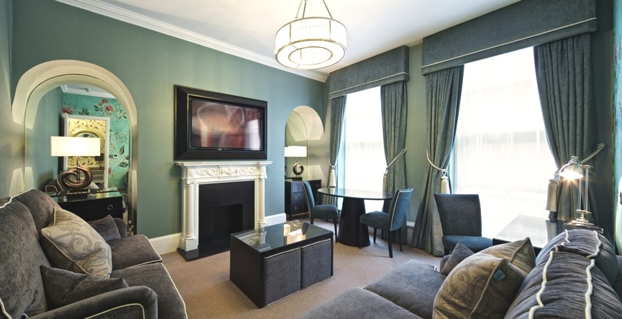 Stylish and modern the hilton hotel at london heathrow for Interior design consultancy london