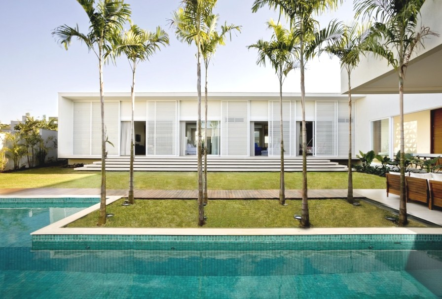 Luxury-Home-Brazil-Adelto-004