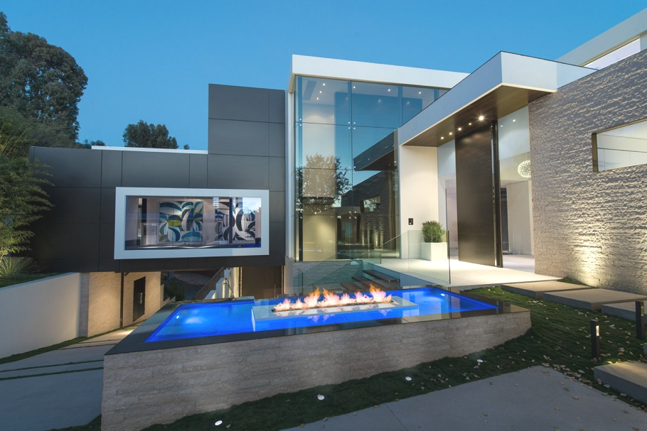Luxury home laurel way by whipple russell architects for California los angeles houses