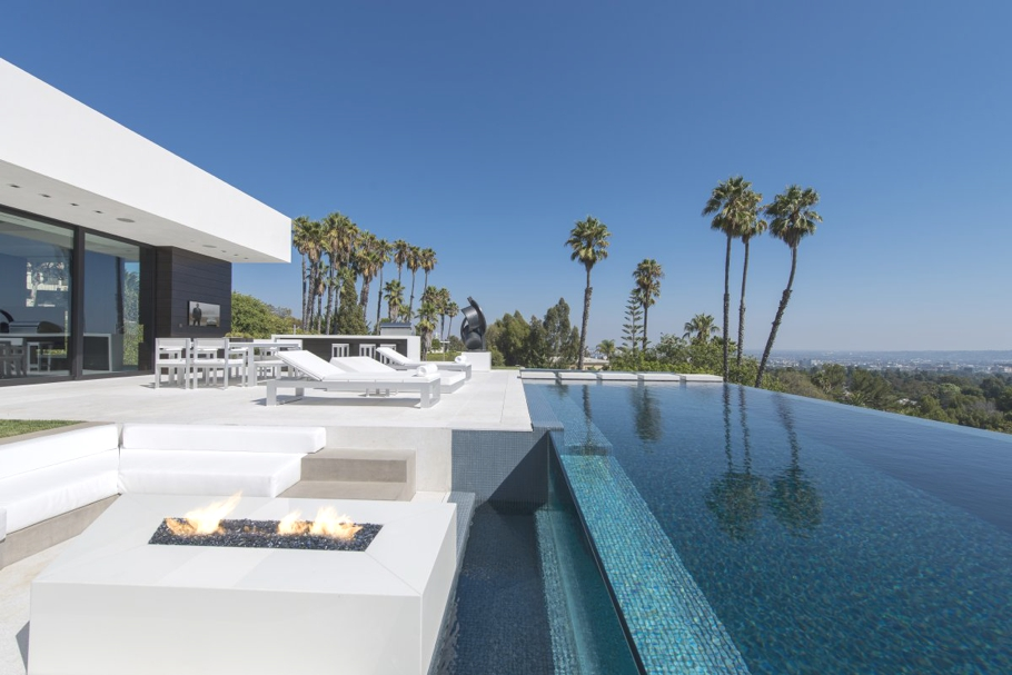 Luxury-Homes-Los-Angeles-California-Adelto-16