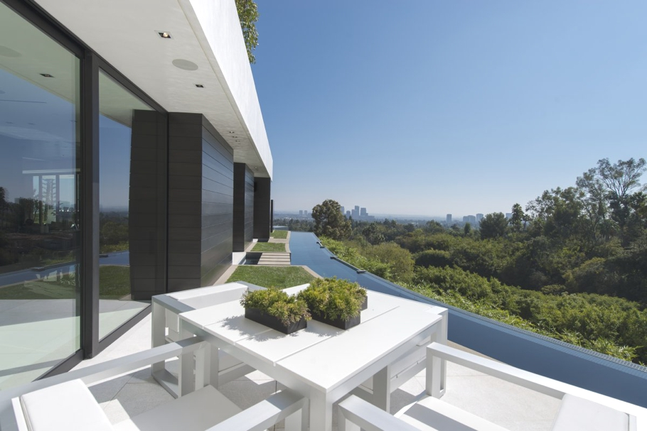 Luxury-Homes-Los-Angeles-California-Adelto-18