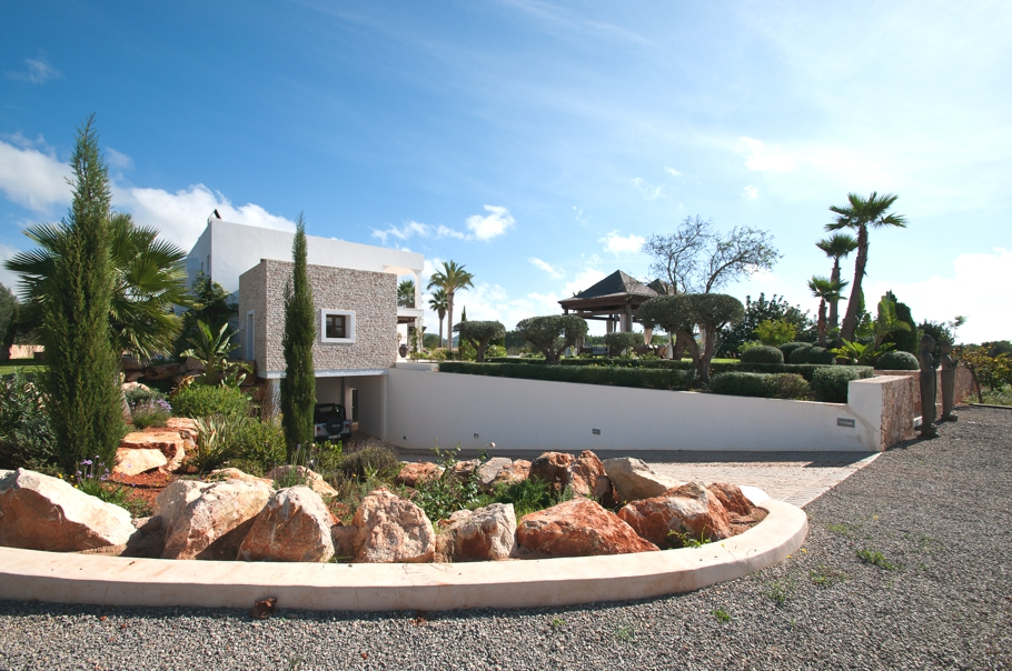Luxury-Villa-Morna-Valley-Ibiza-Adelto-21