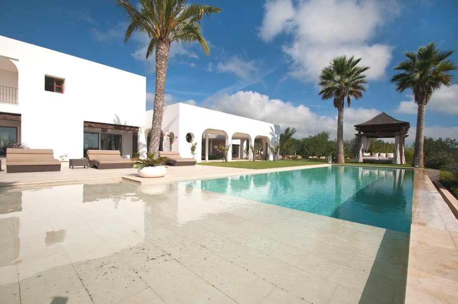 Luxury-Villa-Morna-Valley-Ibiza-Adelto-22