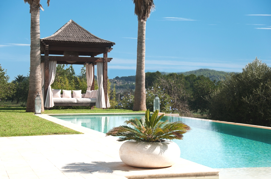 Luxury-Villa-Morna-Valley-Ibiza-Adelto-23