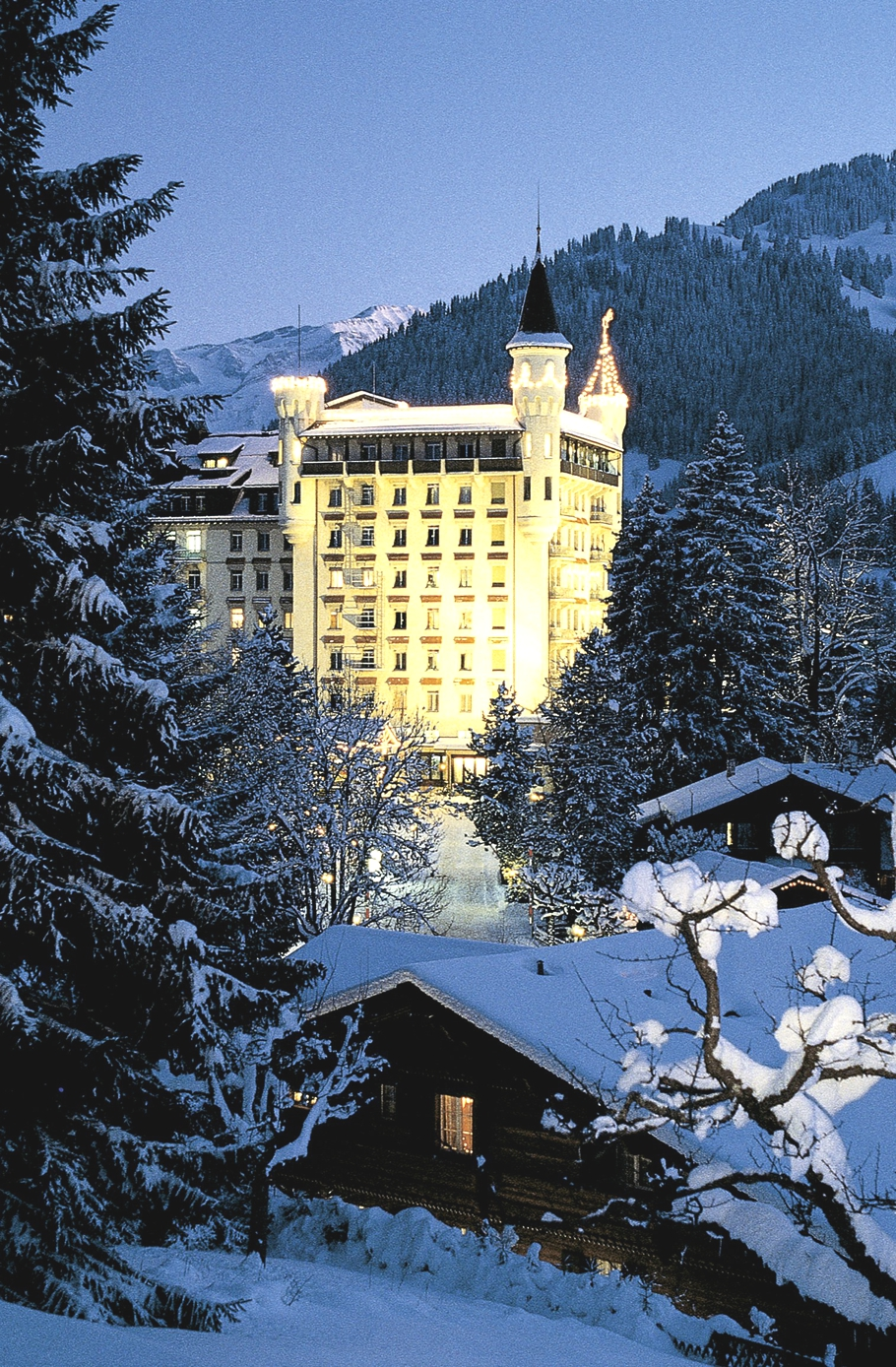 12-days-Christmas-Luxury-Hotels-Adelto-00