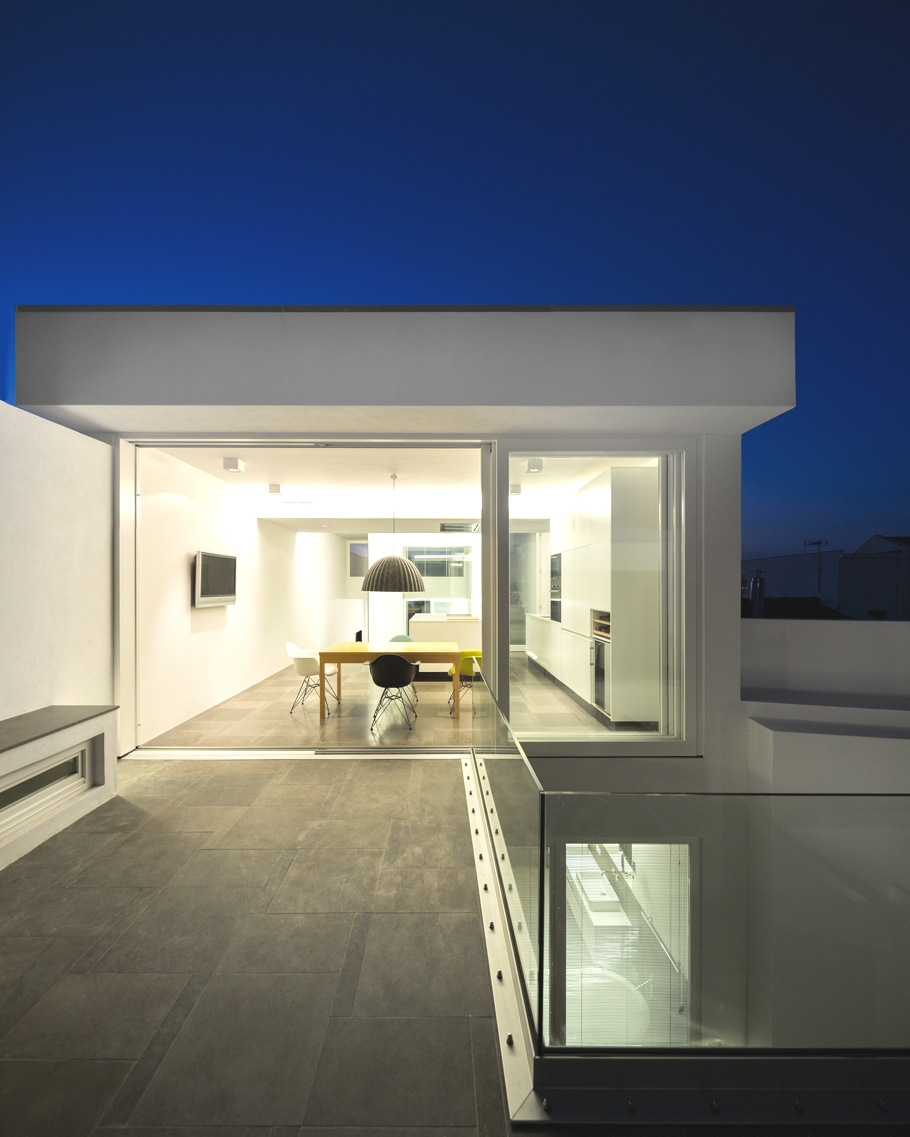 Contemporary-Property-Design-Portugal-Adelto-13