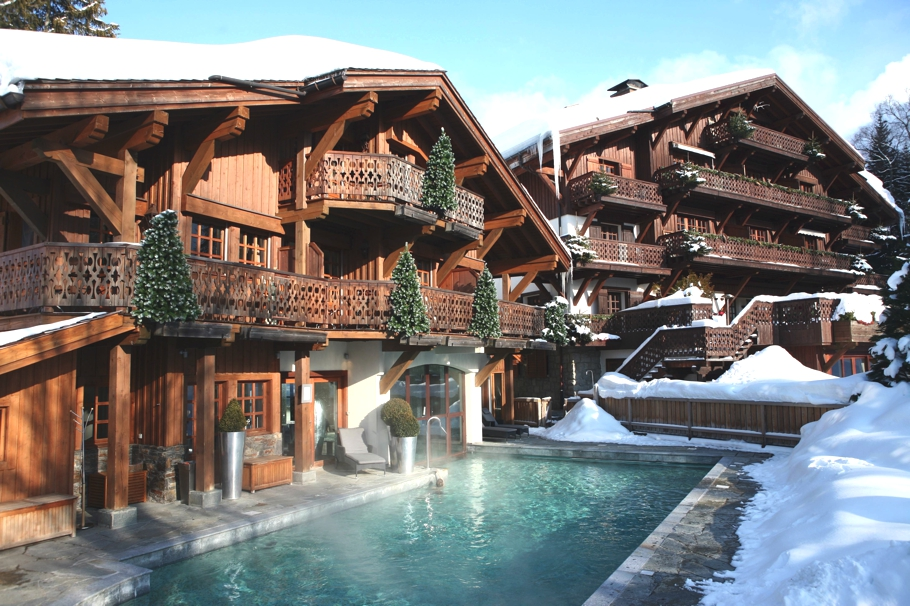 Luxury-Chalet-Holiday-France-Adelto-12