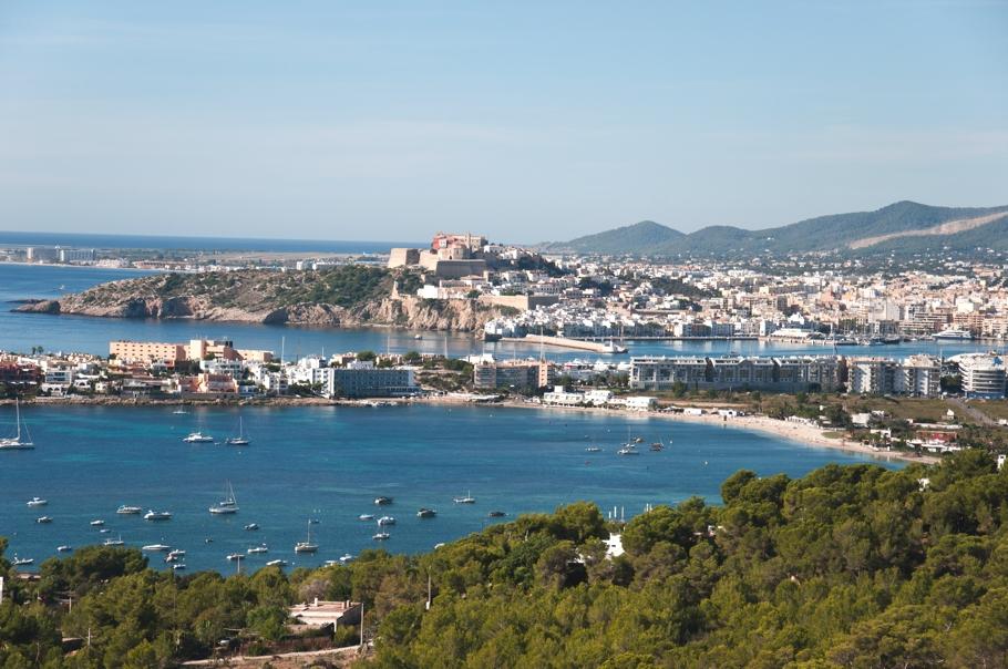 Luxury-Villa-Design-Talamanca-Ibiza-Adelto-13