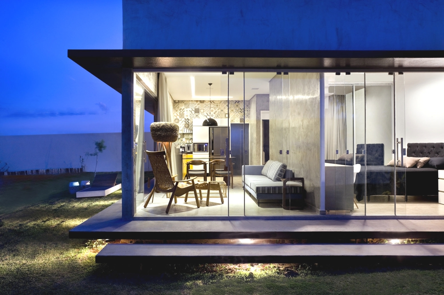 Contemporary-Homes-Brasilia-Brazil-Adelto-12
