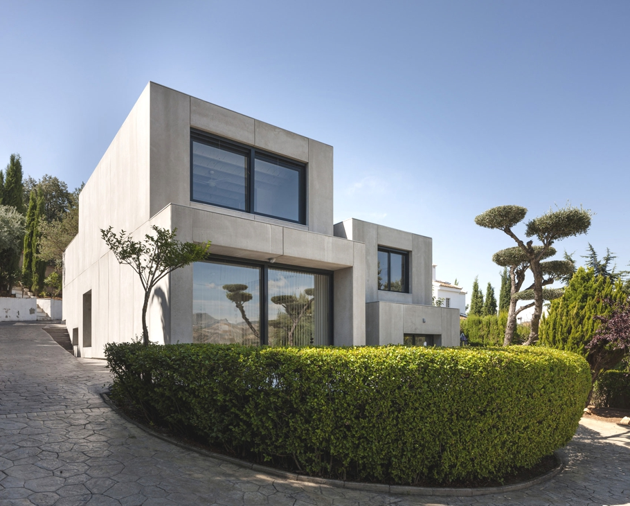 Contemporary-Homes-Spain-Adelto-01
