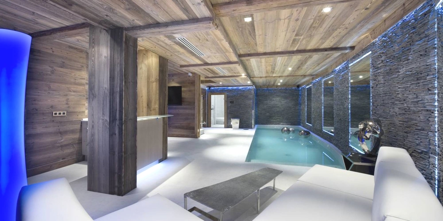 Luxury-Chalet-Courchevel-Adelto-10