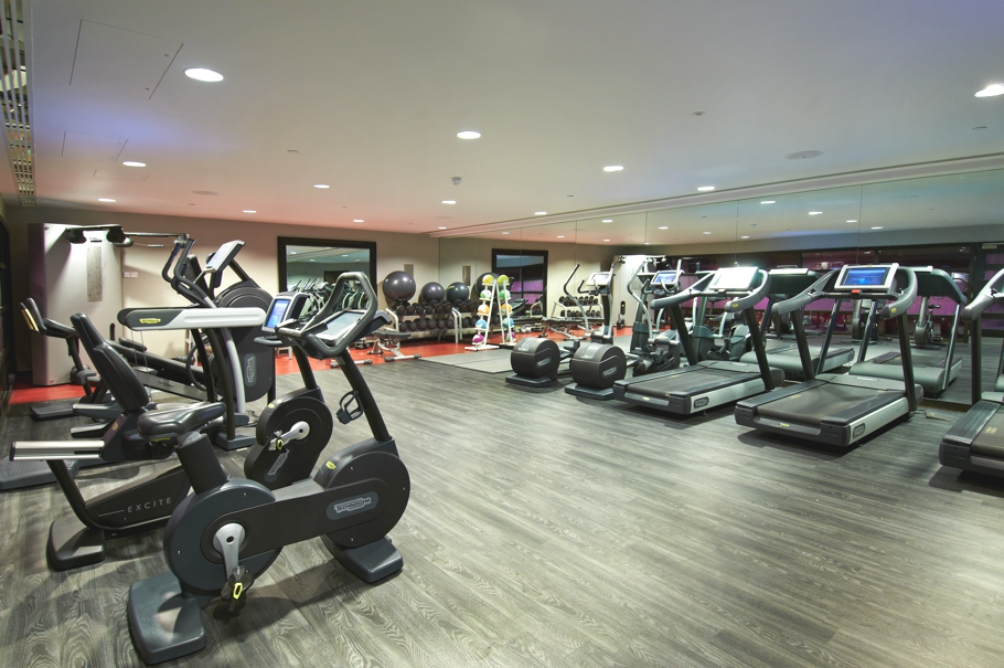 Luxury-London-Spa-Hilton-Syon-Park-Adelto-07