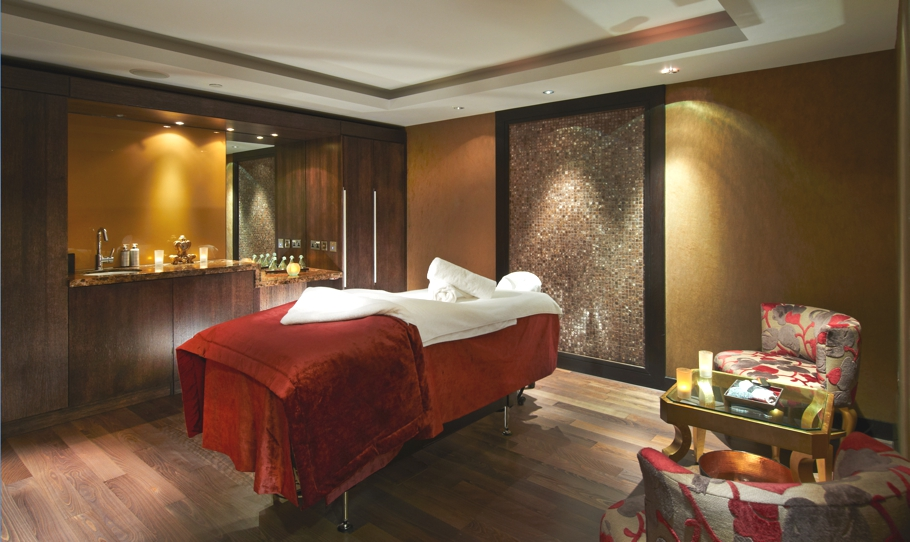 Luxury-London-Spa-Hilton-Syon-Park-Adelto-10