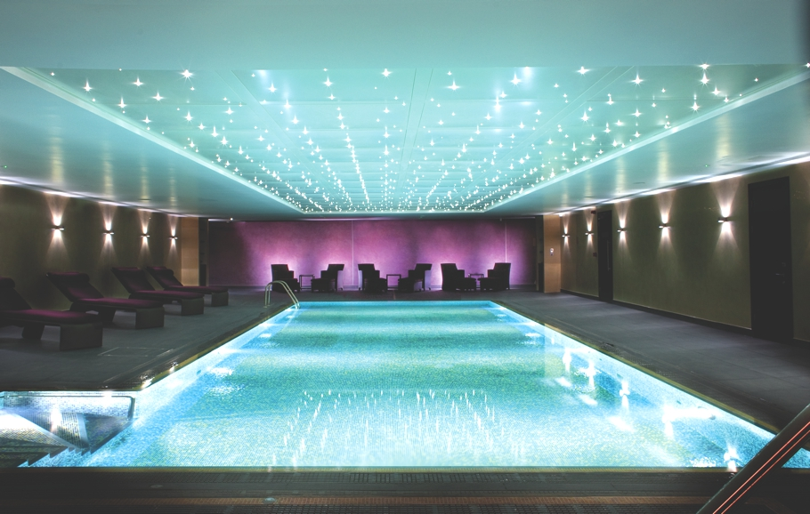 Luxury-London-Spa-Hilton-Syon-Park-Adelto-12