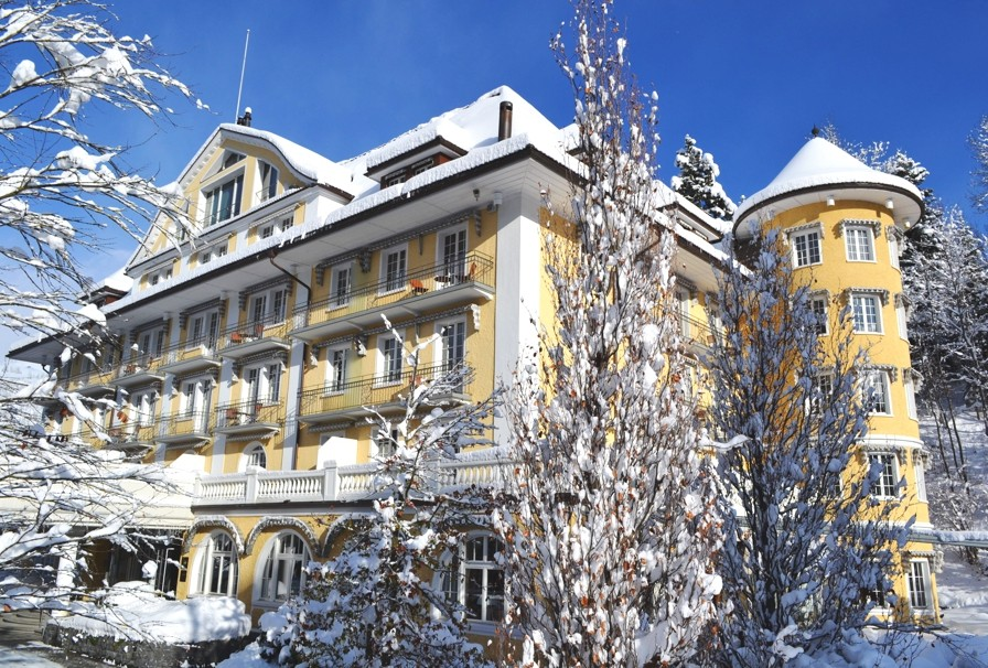 Luxury-Ski-Hotel-Le-Grand-Bellevue-Switzerland-13