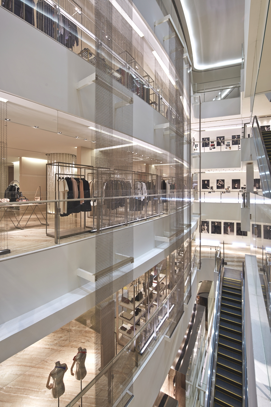 Luxury-Store-Design-Shanghai-Adelto-03