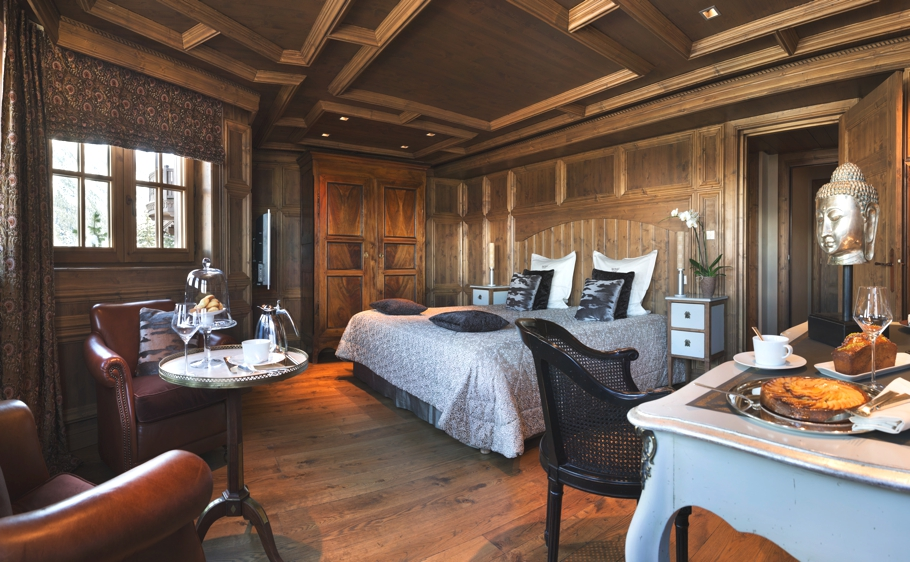 Luxury-ski-retreat-hotel-Manali-Courchevel-France-Adelto-07