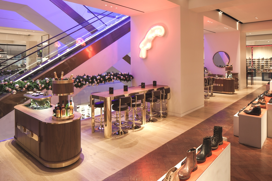 Marks-Bar-Selfridges-Designed-by-Lee-Broom-Adelto-01