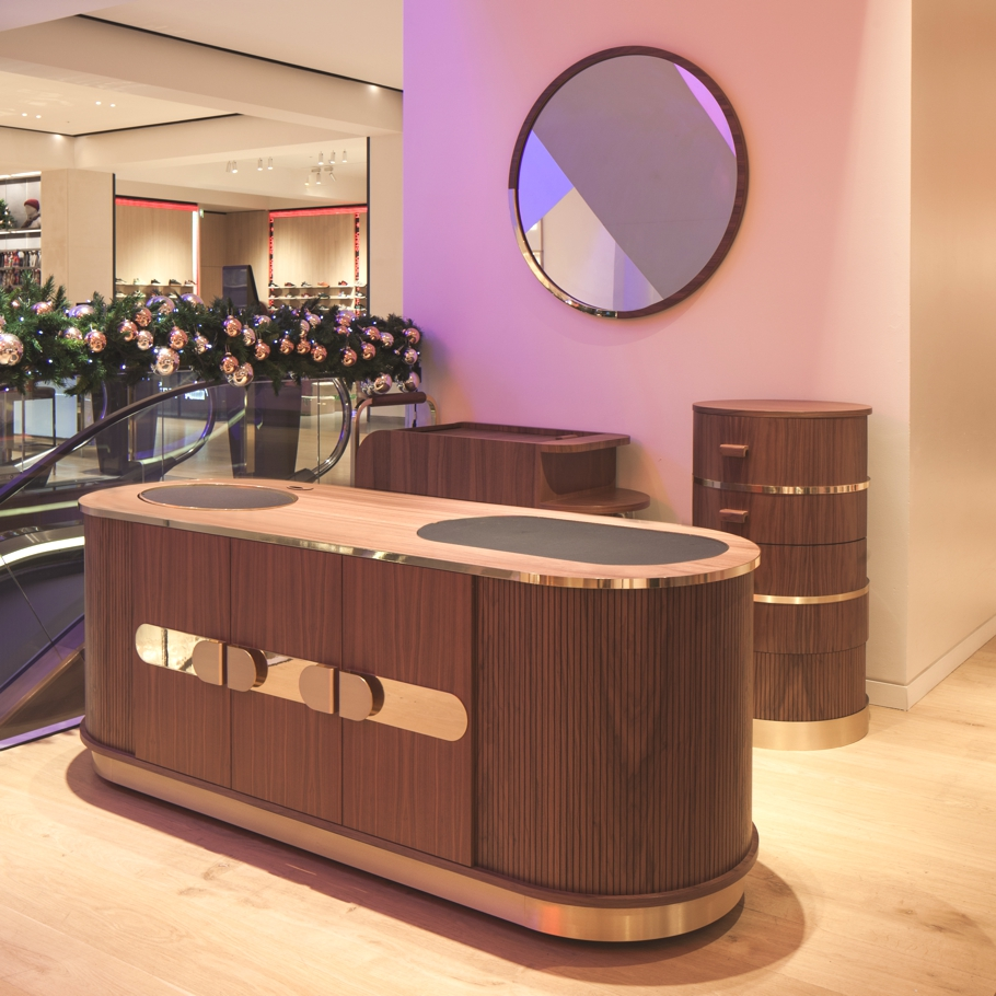 Marks-Bar-Selfridges-Designed-by-Lee-Broom-Adelto-06