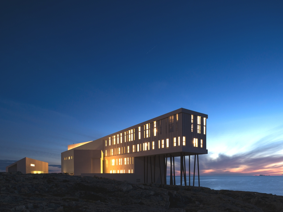 Fogo island inn hotel designed by saunders architecture for Minimalist hotel