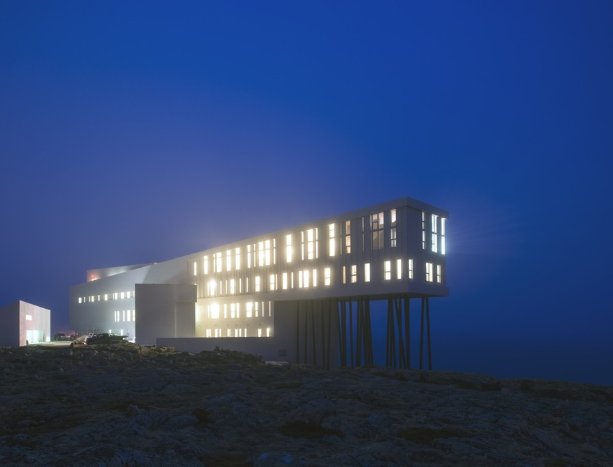 Spectacular designer house with infinite sea views spain for Design hotel berge