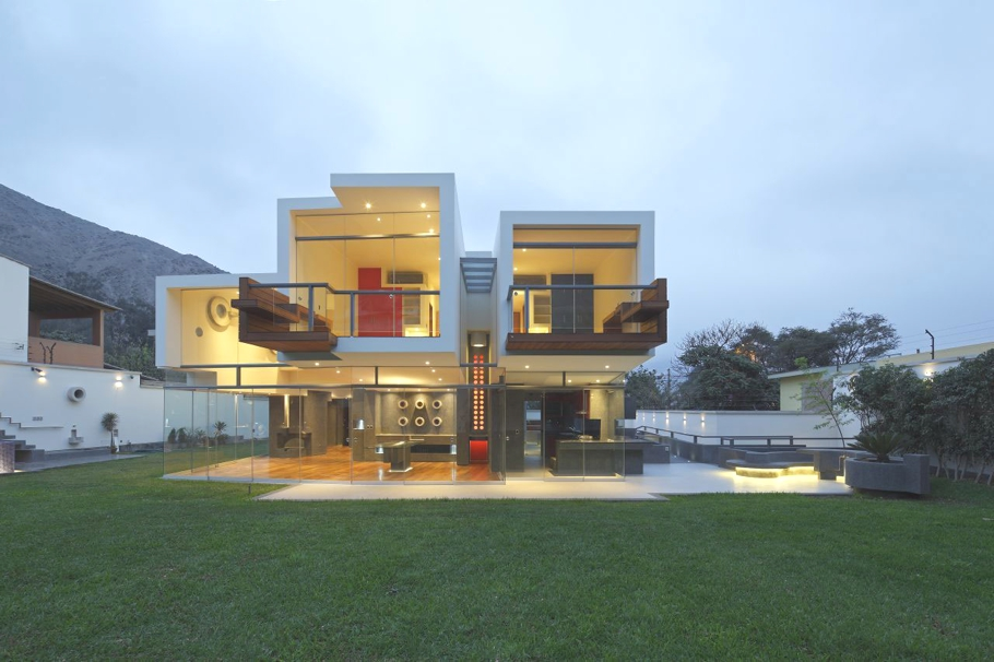 Modern-Design-Homes-Lima-Adelto-15