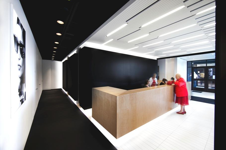 Contemporary-Commercial-Design-Opticians-Canada-Adelto-0004