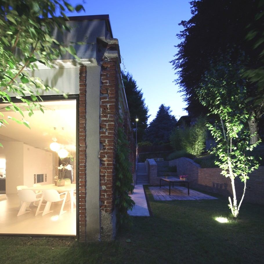 Contemporary-Home-Design-Biella-Italy-Adelto-11