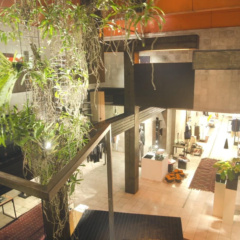 Contemporary-Store-Design-Bali-Indonesia-Adelto-12