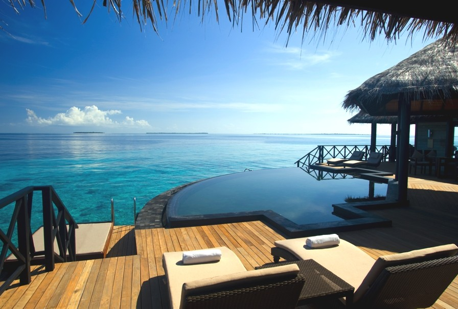 Luxury-Family-Resort-Maldives-Adelto-0006