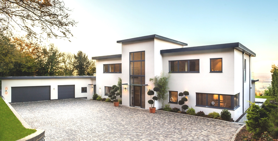 Contemporary trevereux hill home oxted england adelto for Modern new homes uk