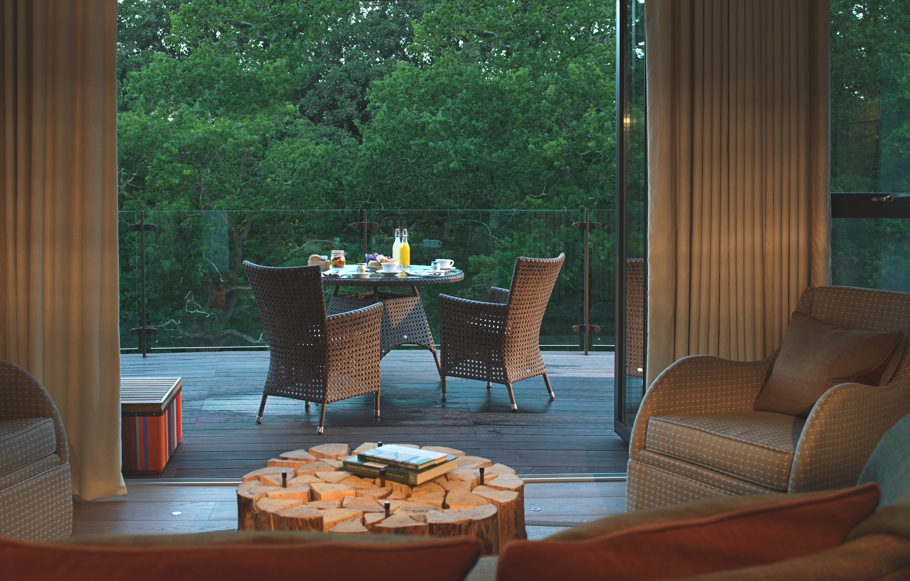 Luxury-Treehouse-Hotel-England-Adelto-03