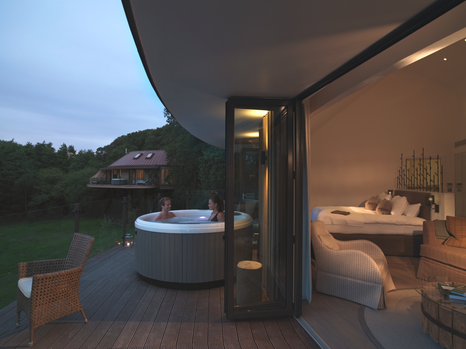 Luxury-Treehouse-Hotel-England-Adelto-05