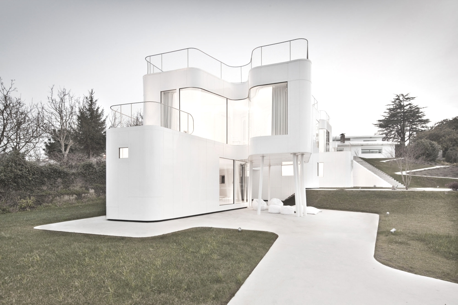 Minimalist-House-Design-Spain-Adelto-04